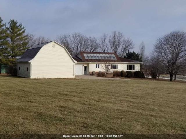 9054 Westphal Lane, Neenah, WI 54956 (#50196610) :: Dallaire Realty