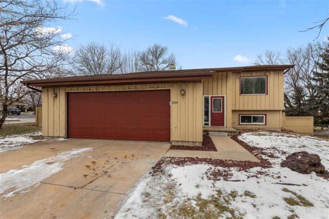 1301 W Edmund Drive, Appleton, WI 54914 (#50196663) :: Todd Wiese Homeselling System, Inc.