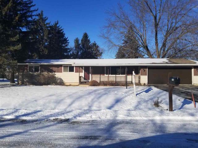 2950 W Tillman Street, Appleton, WI 54914 (#50196849) :: Todd Wiese Homeselling System, Inc.