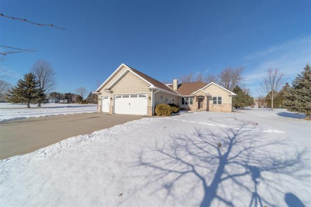 W6998 Angel Hill Drive, Greenville, WI 54942 (#50197057) :: Dallaire Realty