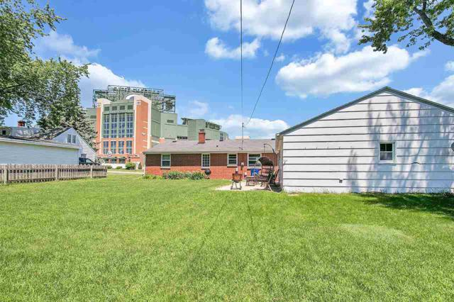 921 Stadium Drive, Green Bay, WI 54304 (#50197203) :: Todd Wiese Homeselling System, Inc.
