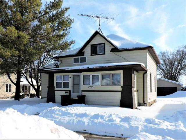 560 E Larrabee Street, Omro, WI 54963 (#50198038) :: Symes Realty, LLC