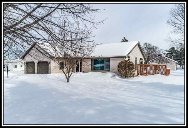 1416 Werner Allen Road, New London, WI 54961 (#50198484) :: Todd Wiese Homeselling System, Inc.
