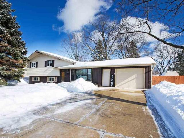 2077 True Lane, Green Bay, WI 54304 (#50198568) :: Todd Wiese Homeselling System, Inc.