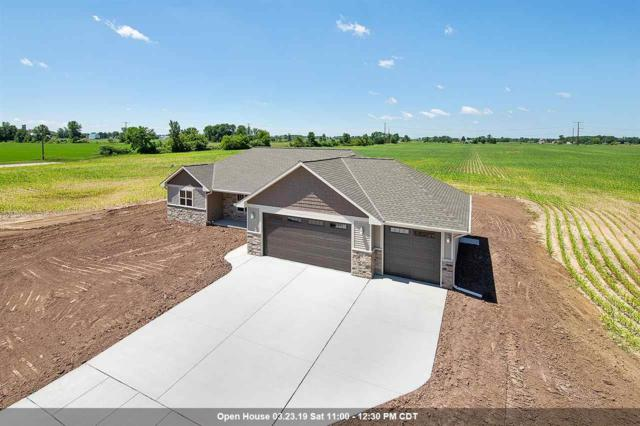 739 Covered Wagon Trail, Pulaski, WI 54162 (#50198628) :: Todd Wiese Homeselling System, Inc.