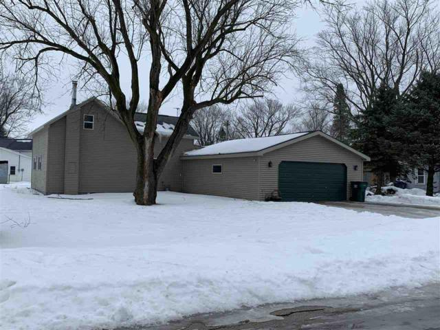910 North Street, New London, WI 54961 (#50198652) :: Todd Wiese Homeselling System, Inc.