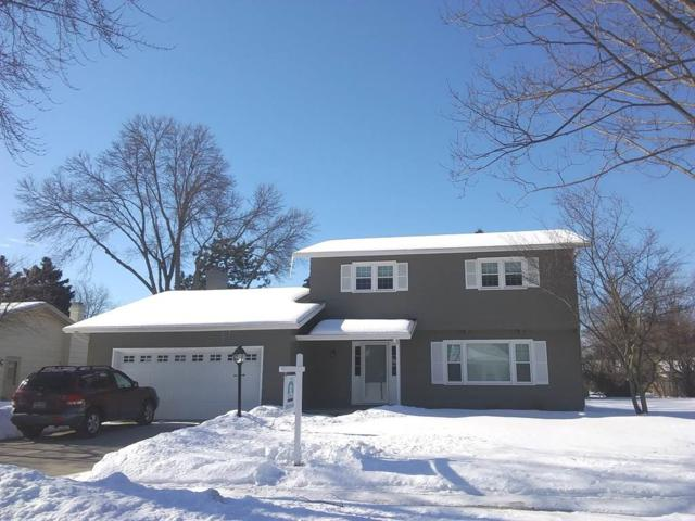 724 Meadowbrook Lane, Fond Du Lac, WI 54935 (#50198678) :: Todd Wiese Homeselling System, Inc.