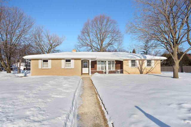 3340 Hilltop Way, Green Bay, WI 54301 (#50199604) :: Dallaire Realty