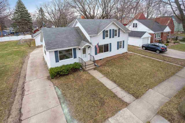 620 N Michigan Street, De Pere, WI 54115 (#50201148) :: Todd Wiese Homeselling System, Inc.