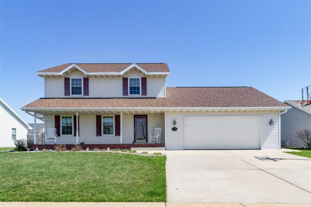 2138 Olde Country Circle, Kaukauna, WI 54130 (#50201335) :: Dallaire Realty