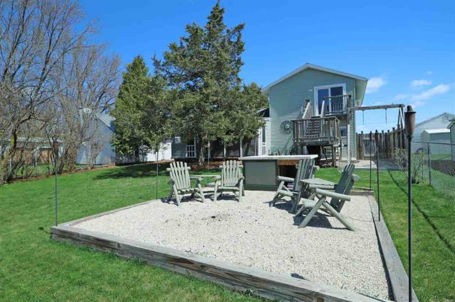 7729 Boom Bay Heights Road, Larsen, WI 54947 (#50201799) :: Dallaire Realty