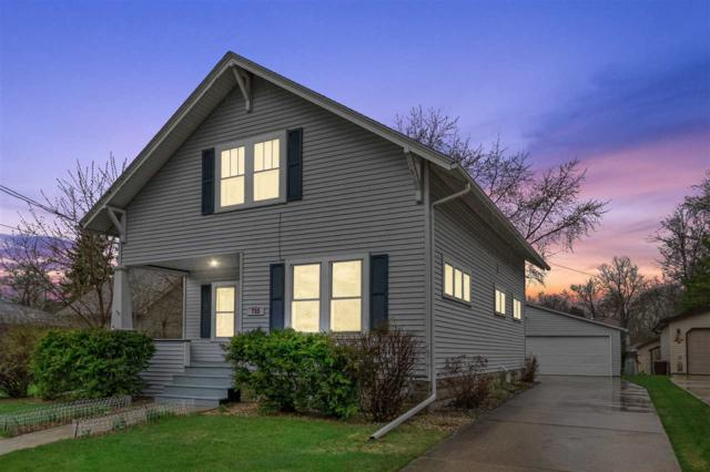 733 S Fairview Street, Appleton, WI 54914 (#50201879) :: Dallaire Realty