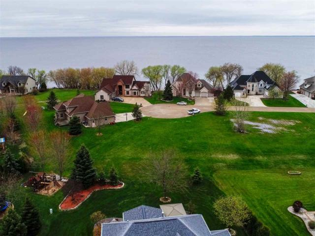 N7844 Edgewater Court, Sherwood, WI 54169 (#50201883) :: Todd Wiese Homeselling System, Inc.