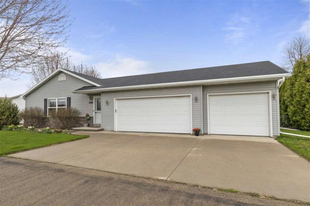 W2302 Block Road, Appleton, WI 54915 (#50202328) :: Todd Wiese Homeselling System, Inc.