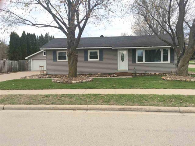 519 E Ridlington Avenue, Shawano, WI 54166 (#50202348) :: Todd Wiese Homeselling System, Inc.
