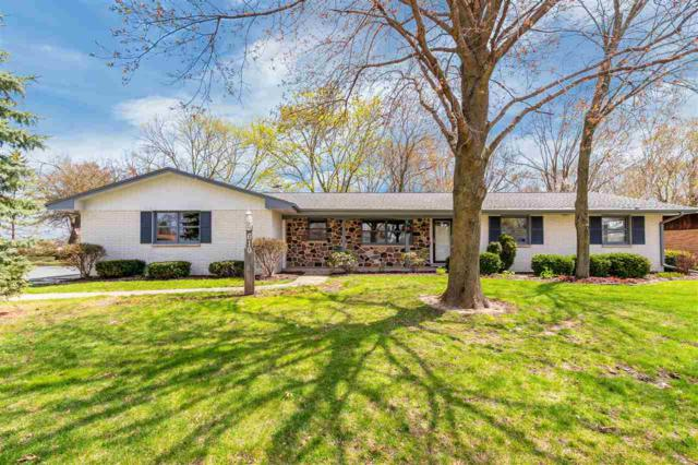 610 Meadowood Lane, Brillion, WI 54110 (#50202418) :: Todd Wiese Homeselling System, Inc.