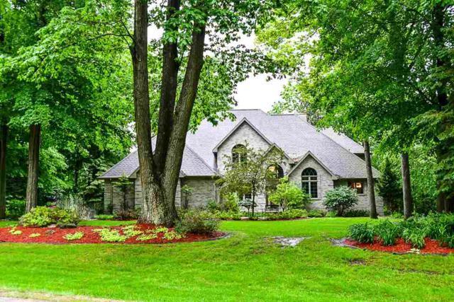 3004 River Forest Hills Drive, Pulaski, WI 54162 (#50202436) :: Dallaire Realty