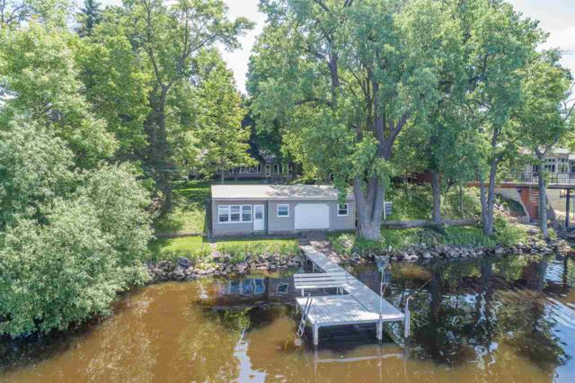 7107 Clarks Point Road, Winneconne, WI 54986 (#50202596) :: Dallaire Realty