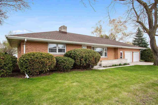 230 Oak Street, Chilton, WI 53014 (#50202647) :: Todd Wiese Homeselling System, Inc.