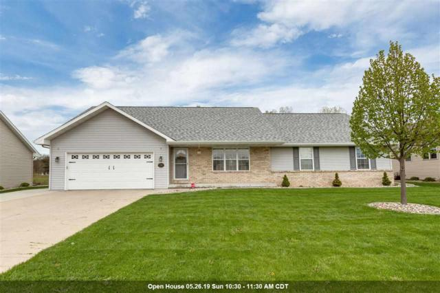 1306 Fieldview Drive, Appleton, WI 54952 (#50202974) :: Todd Wiese Homeselling System, Inc.