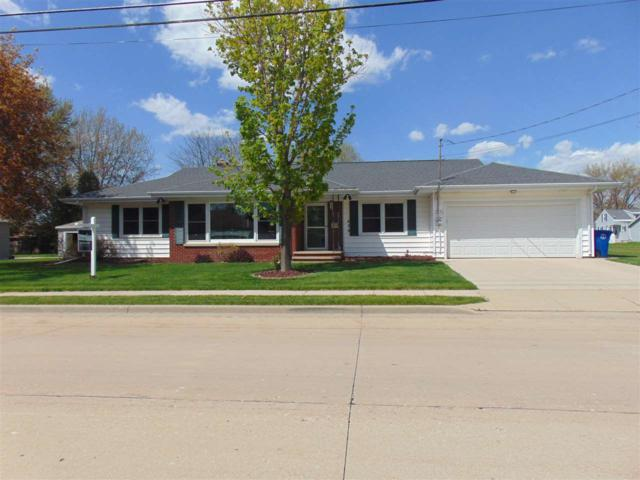 620 W Mckinley Avenue, Little Chute, WI 54140 (#50203086) :: Dallaire Realty