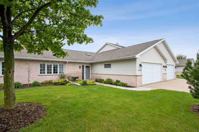 1517 River Pines Drive, Green Bay, WI 54311 (#50203752) :: Todd Wiese Homeselling System, Inc.