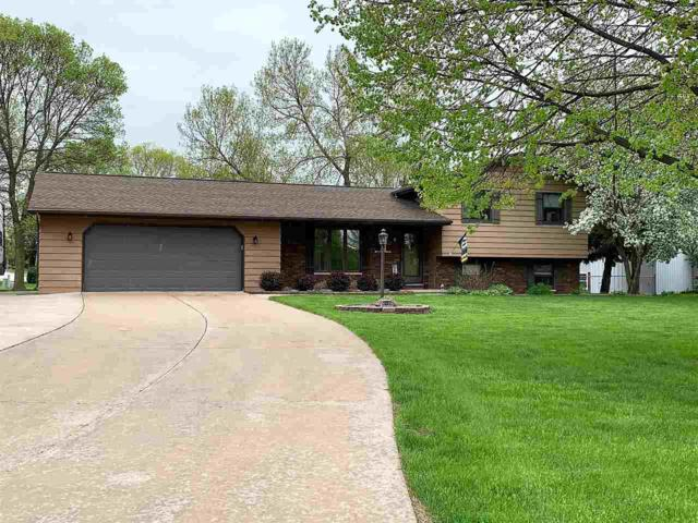 1851 Mac Court, Green Bay, WI 54311 (#50204161) :: Todd Wiese Homeselling System, Inc.