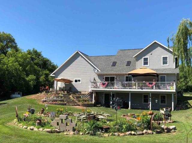 E4099 Lind Center Road, Waupaca, WI 54981 (#50204249) :: Symes Realty, LLC