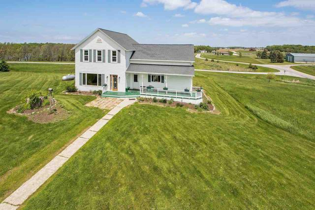 2824 Beech Road, Brillion, WI 54110 (#50204521) :: Todd Wiese Homeselling System, Inc.