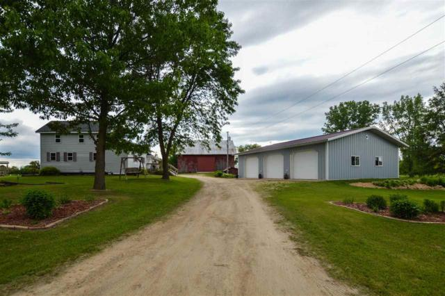 N8041 Ferg Road, Manawa, WI 54949 (#50205363) :: Dallaire Realty