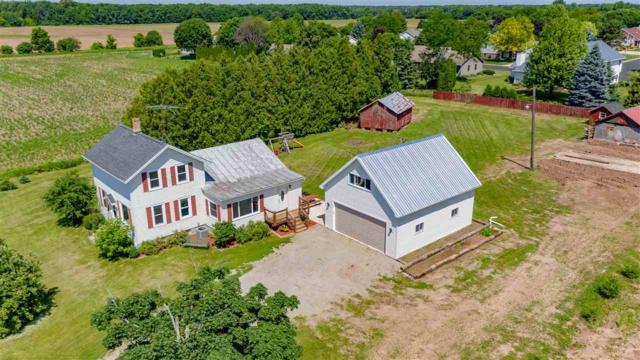 1495 Breezewood Lane, Neenah, WI 54956 (#50205940) :: Dallaire Realty