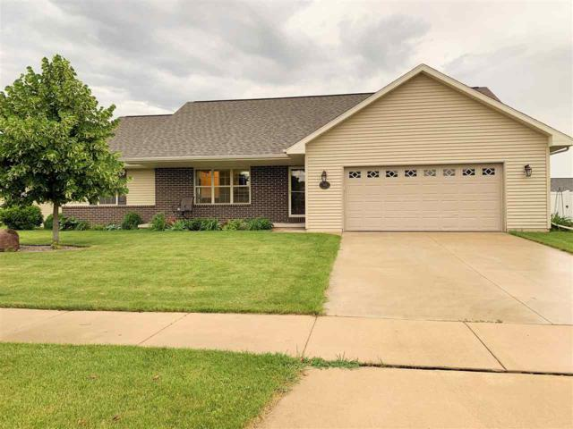 708 Killarny Trail, De Pere, WI 54115 (#50206178) :: Todd Wiese Homeselling System, Inc.