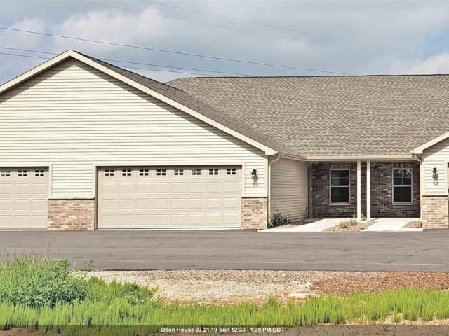 2133 Royal Crest Circle #2, Green Bay, WI 54311 (#50206381) :: Todd Wiese Homeselling System, Inc.