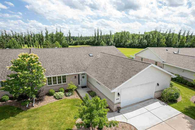 1691 Twin Lakes Circle, Green Bay, WI 54311 (#50206696) :: Todd Wiese Homeselling System, Inc.