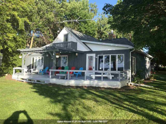 6153 Sandy Cove Road, Luxemburg, WI 54217 (#50206731) :: Todd Wiese Homeselling System, Inc.