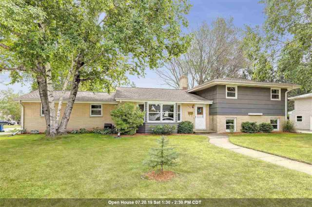1601 Mac Arthur Street, Green Bay, WI 54301 (#50206817) :: Todd Wiese Homeselling System, Inc.