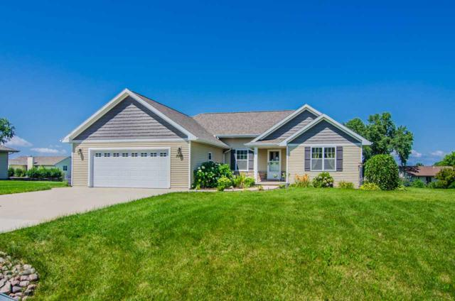 3315 Osprey Lane, Green Bay, WI 54311 (#50208426) :: Todd Wiese Homeselling System, Inc.