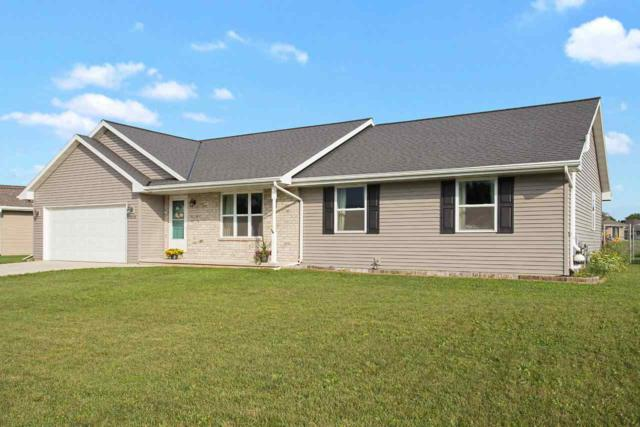 3830 Scotchman Circle, Green Bay, WI 54311 (#50208622) :: Todd Wiese Homeselling System, Inc.