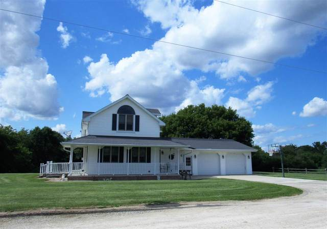 1900 Heritage Road, De Pere, WI 54115 (#50209746) :: Todd Wiese Homeselling System, Inc.