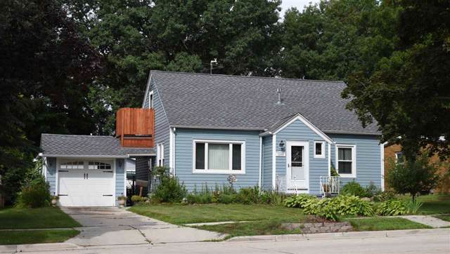 1004 N 23RD Street, Manitowoc, WI 54220 (#50210339) :: Dallaire Realty