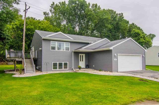 812 Brighton Drive, Menasha, WI 54952 (#50210661) :: Todd Wiese Homeselling System, Inc.