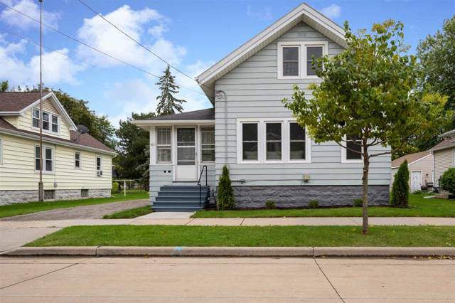 661 W 11TH Avenue, Oshkosh, WI 54902 (#50210838) :: Todd Wiese Homeselling System, Inc.