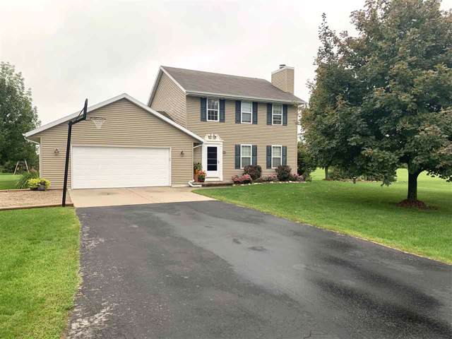 542 Highland Meadow Trail, Pulaski, WI 54162 (#50210895) :: Todd Wiese Homeselling System, Inc.