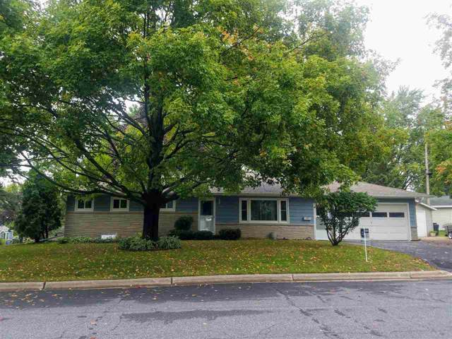 215 W Cameron Street, New London, WI 54961 (#50210918) :: Dallaire Realty