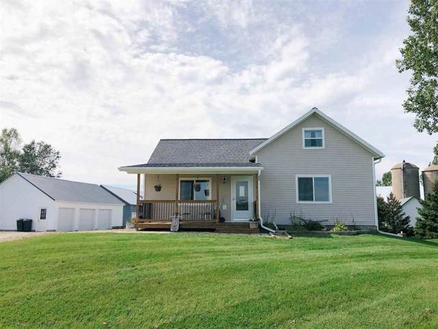 N3565 Green Valley Road, Pulaski, WI 54162 (#50211108) :: Dallaire Realty