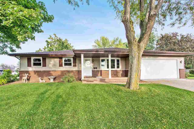 474 S Glenview Avenue, Brillion, WI 54110 (#50211419) :: Symes Realty, LLC