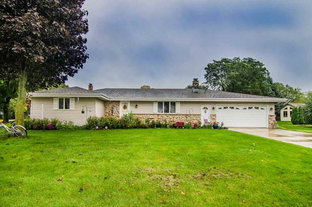3032 N Bluemound Drive, Appleton, WI 54914 (#50211989) :: Dallaire Realty