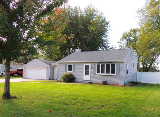 2108 Barberry Lane, Green Bay, WI 54304 (#50212012) :: Symes Realty, LLC