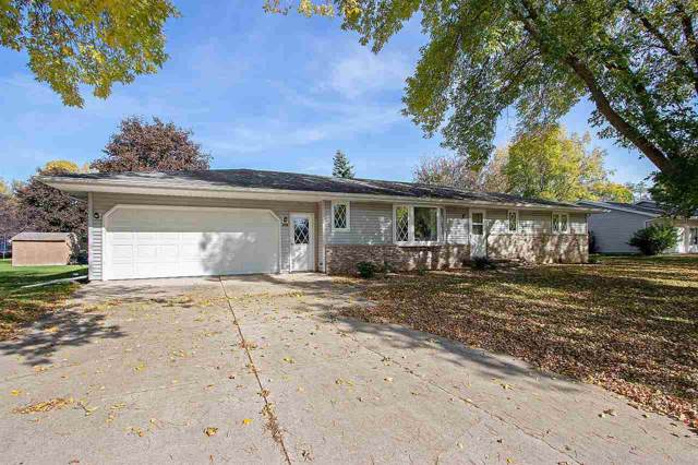 240 Bentwood Drive, Brillion, WI 54110 (#50212497) :: Dallaire Realty