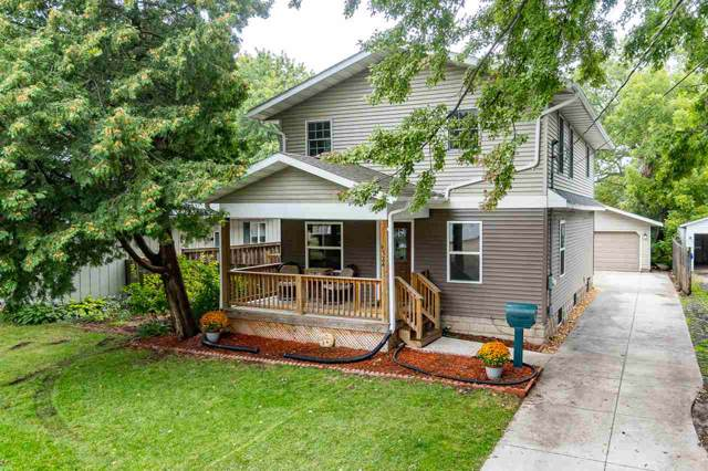 1324 W Rogers Avenue, Appleton, WI 54914 (#50212794) :: Todd Wiese Homeselling System, Inc.